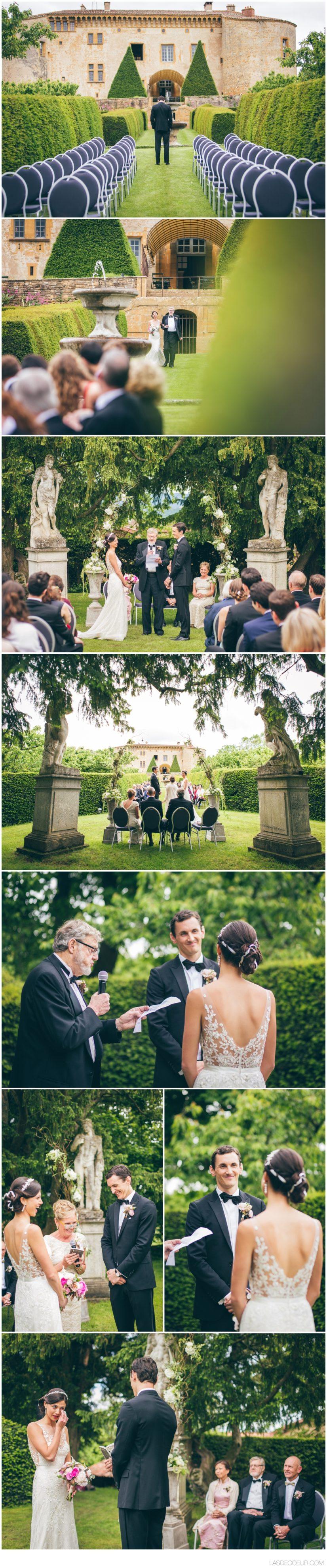 photo entrée mariée Chateau Bagnols Lyon ©lasdecoeur
