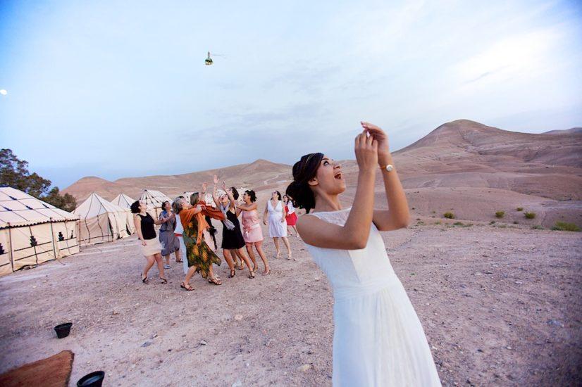 wedding in Marrakech La Pause ceremony bouquet ©lasdecoeur