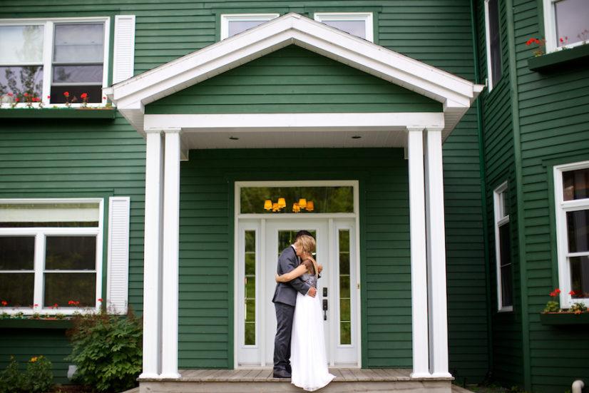 Mariage Au Québec | Canada, Au Bord Du Lac à L'eau Claire