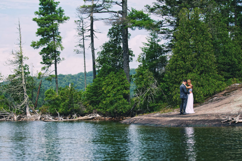 Mariage Au Lac à L'eau Clair, Canada