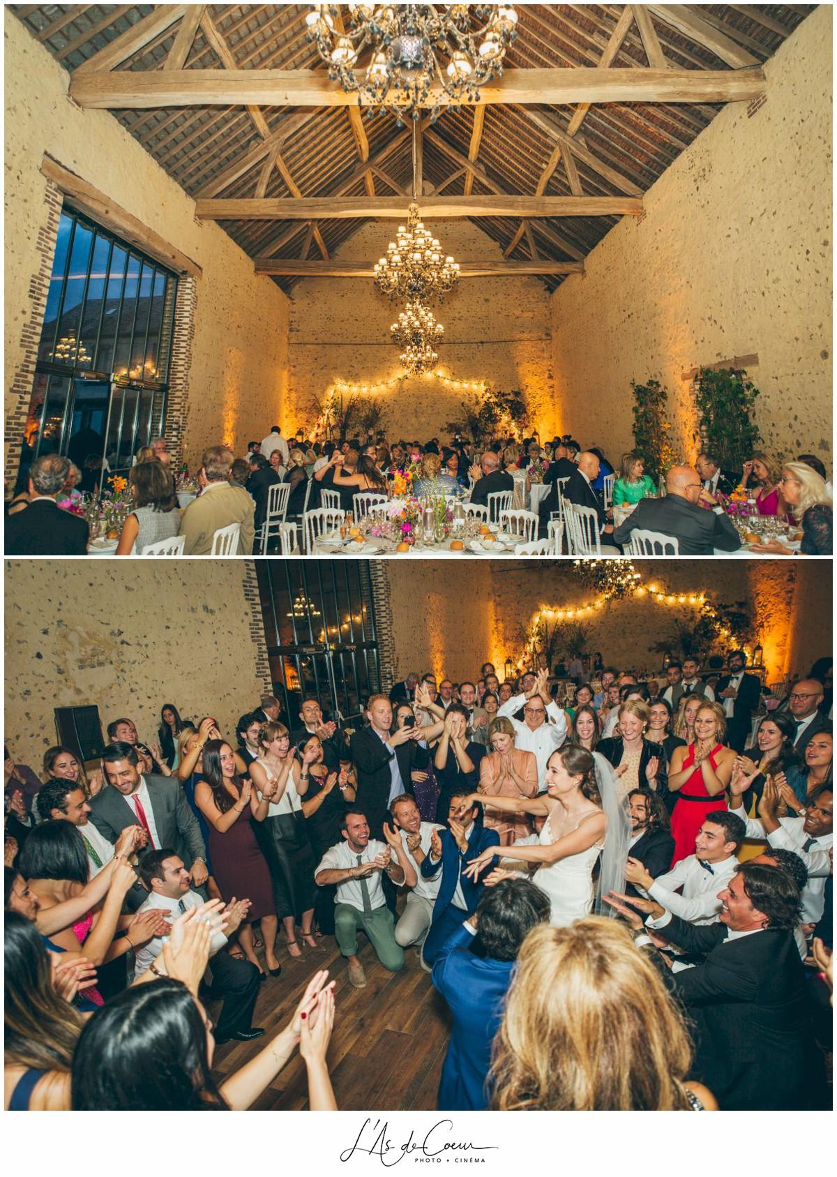 entrée des mariés mariage au Domaine des Evis ©lasdecoeur