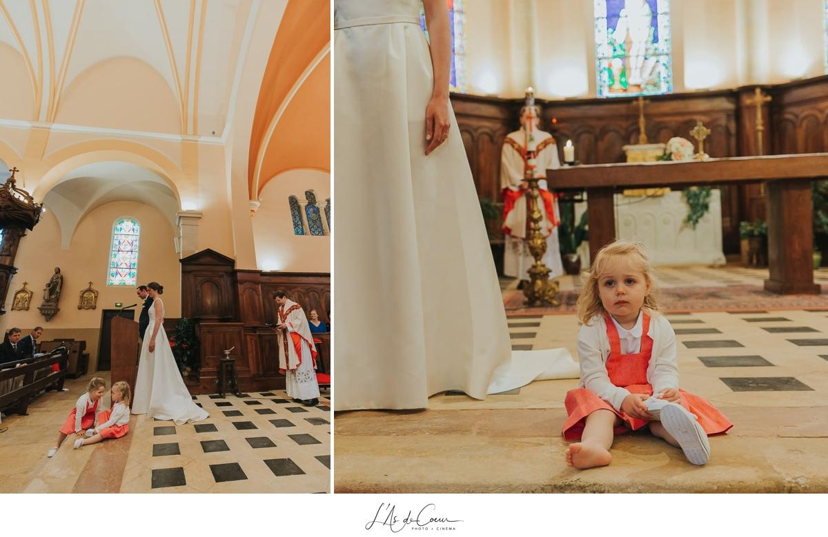 cérémonie religieuse photo enfant église Domaine de Morgon la javernière photographe mariage lyon Beaujolais L'As de Coeur