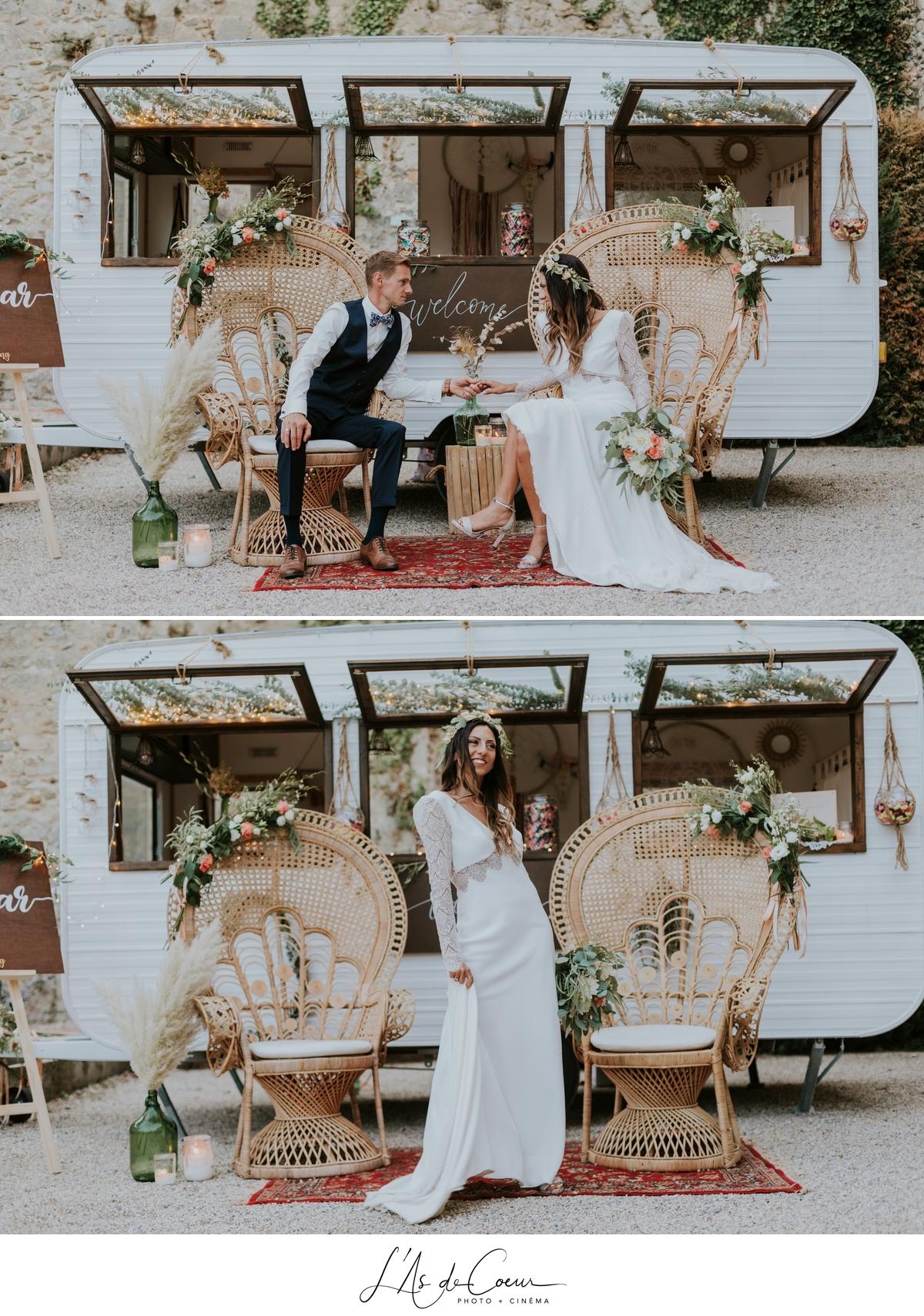 Mariage bohème chic caravane fauteuil Emmanuelle château de la Gallée photographe Mariage Lyon ©lasdecoeur